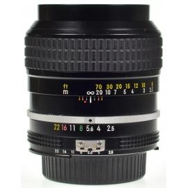Nikon Nikkor 105mm f/2.5 Ai