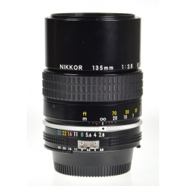 Nikon Nikkor 135mm f/2.8 Ai
