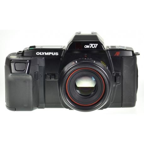 Olympus OM-707 + 50mm f/2 PF