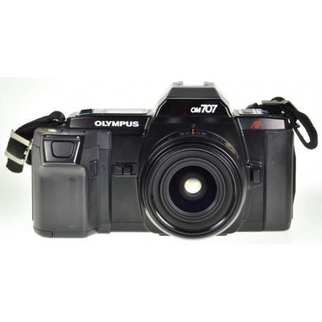 Olympus OM-707 + AF 28mm f/2.8