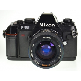 Nikon F-301 + Tamron 35-70mm f/3.5 CF Macro